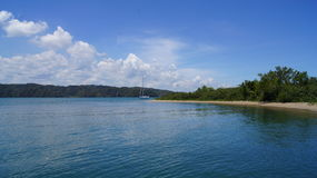 Den Haitises stranden, Samana, Dominikanska republiken. royaltyfri bild
