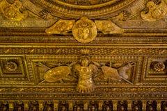 In den Hallen des Louvre Lizenzfreie Stockfotos