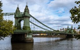 Den Hammersmith bron arkivbilder
