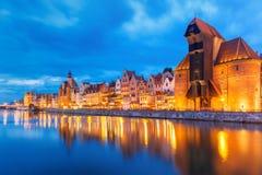 Den hamnkranen och staden utfärda utegångsförbud för Zuraw, Gdansk, Polen Arkivfoton