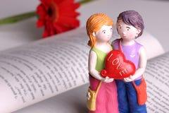 den handgjorda dockan älskar jag dig Royaltyfria Bilder