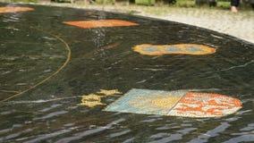 Den Hanseatic springbrunnen i Velikiy Novgorod, Ryssland arkivfilmer