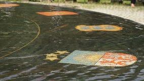 Den Hanseatic springbrunnen i Velikiy Novgorod, Ryssland stock video