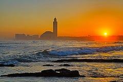 Den Hassan II moskén på soluppgång, Casablanca, Marocko royaltyfria bilder