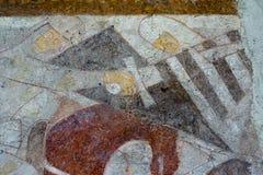 Den hedniska riddaren delar skölden av en kristen riddare Arkivfoton