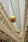 Den helgonHubert passagen i Bryssel dekorerade för jul Royaltyfri Foto