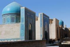 Den helhetShahi Zinda mausoleet i Samarkand Arkivbilder