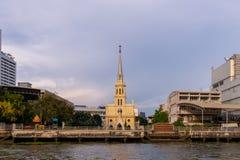 Den heliga radbandkyrkan också som är bekant som Kalawar Det är en romare - katolsk kyrka i Bangkok, på en bank av Chao Phraya Ri royaltyfria foton
