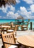 Den hemtrevliga restaurangen i hotellet, maldivisk ö Royaltyfri Foto