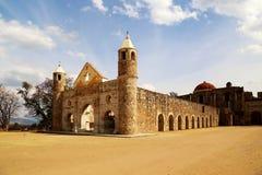 Den historiska basilikan av Cuilapan, Oaxaca, Mexico arkivfoton