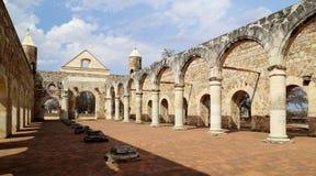 Den historiska basilikan av Cuilapan, Oaxaca, Mexico royaltyfri foto