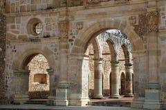 Den historiska basilikan av Cuilapan, Oaxaca, Mexico fotografering för bildbyråer
