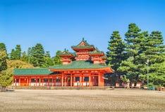 Den historiska Heian relikskrin-en av 400 Shintorelikskrin i Kyoto Arkivbild