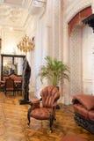 Den historiska inre av korridoren Slotten i Sintra royaltyfri fotografi