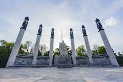 Den historiska Monumentoen hjältar för los en Ninos Arkivbilder