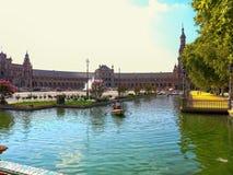 Den historiska Plazaen de España i Seville Spanien arkivbild