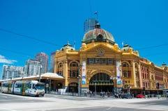 Flindersgatajärnvägen posterar, Melbourne, Australien Royaltyfri Fotografi