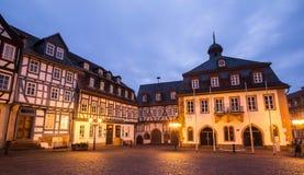 den historiska staden gelnhausen Tyskland i aftonen Arkivbild