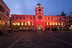 Den historiska tornclokcen i piazzadeiSignori i Padua, trevlig stad i Italien Fotografering för Bildbyråer