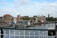 Den holländska staden av Leiden Fotografering för Bildbyråer