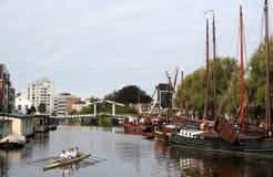 Den holländska staden av Leiden Arkivbilder