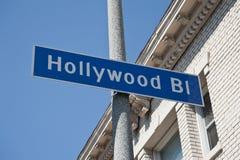 Den Hollywood boulevarden undertecknar vägen i Los Angeles arkivfoton