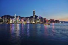 Den Hong Kong horisonten på natten Arkivfoto