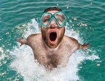 den hoppa mannen ut water Fotografering för Bildbyråer