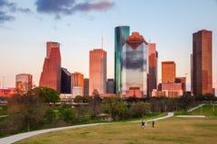 Den Houston Skyline Eleanor fromTinsleyen parkerar på solnedgången arkivfoto