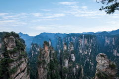 Den Hunan Zhangjiajie medborgaren Forest Park, den magiska annalkande `en för gammal husfält` når en höjdpunkt Arkivfoto