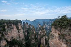 Den Hunan Zhangjiajie medborgaren Forest Park, den magiska annalkande `en för gammal husfält` når en höjdpunkt Arkivbild