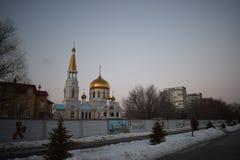 Den huvudsakliga fyrkanten av staden av Volzhsky arkivfoto