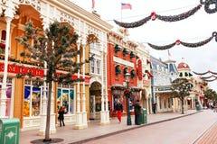 Den huvudsakliga gatan är i Disneylanden Paris france Europa Royaltyfri Bild