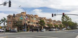 Den huvudsakliga gatan i Carlsbad royaltyfria bilder