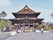 Den huvudsakliga Hallen av den Zenkoji templet Arkivfoto