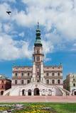 Den huvudsakliga marknadsfyrkanten i den gamla staden av Zamosc. Royaltyfri Fotografi