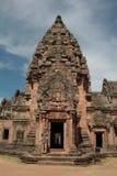 Den huvudsakliga pagodaen på Phanom ringde tempelet i Buriram Thailand Arkivbilder