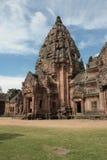 Den huvudsakliga pagodaen på Phanom ringde tempelet i Buriram Thailand Royaltyfri Bild