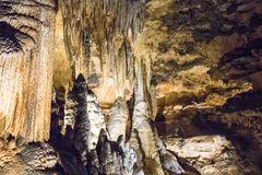 Den hypnotisera naturliga under av Luray Caverns fotografering för bildbyråer