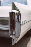 Den i naturlig storlek lyxiga bilen Cadillac Sedan De Ville för bakre bromsljus Royaltyfria Bilder