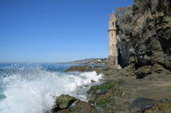 Den iconic Victoria Tower på Victoria Beach, Laguna Beach, Kalifornien royaltyfria foton