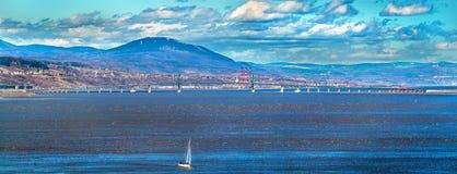 Den Ile D `-Orleans bron över den Sanka Lawrence River i Quebec, Kanada Fotografering för Bildbyråer