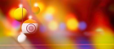 Den Indien flaggan på jul klumpa ihop sig med suddig och abstrakt bakgrund Royaltyfri Foto