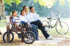 Den indiska familjen parkerar Royaltyfri Fotografi