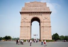 Den indiska porten och turisterna Royaltyfri Bild