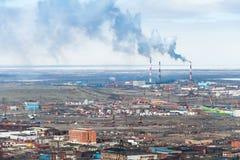 Den industriella delen av staden Norilsk Royaltyfria Bilder