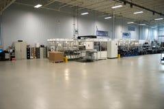 Den industriella fabriks- fabriken shoppar golvet royaltyfri fotografi