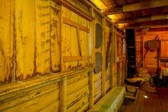 Den inomhus sikten av husträbyggnad i utläggning i det Chonchi museet som donerades av familjer av Chonchi, öppnade i 1996 arkivfoto