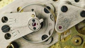 Den inre mekanismen av klockor lager videofilmer