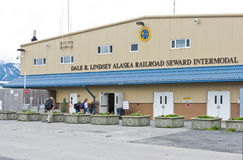 Den Intermodal shipen för Alaska Seward stångkryssning centrerar Royaltyfri Bild